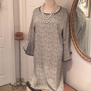 Versona Bell Sleeve Shift Dress